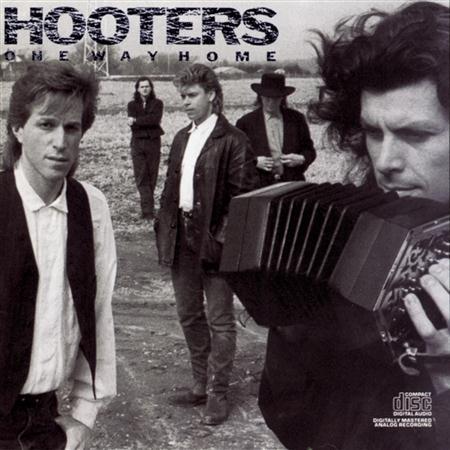 HOOTERS - Hard Rockin