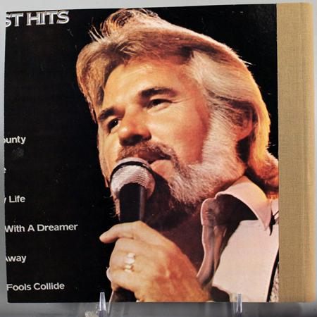KENNY ROGERS - The Country Legend - Zortam Music