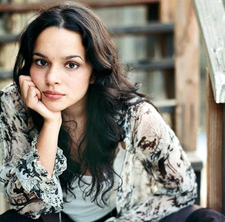 Norah Jones - Greatest Hits - Zortam Music