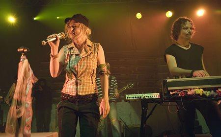 2raumwohnung - Annette Humpe-Zeitgeschichte-Das Beste 2010 CD 2 - Zortam Music