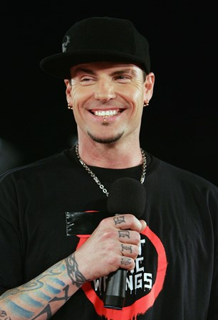 Vanilla Ice - Die Hit Giganten Hot Hits [disc 2] - Zortam Music