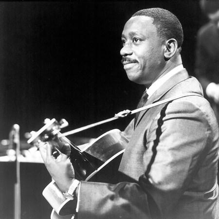 Wes Montgomery - Jazz Goes Hollywood - Zortam Music