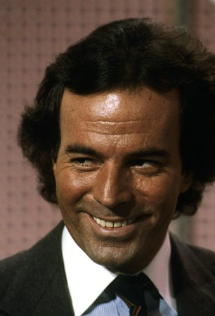 Julio Iglesias - Songs from the Heart - Zortam Music