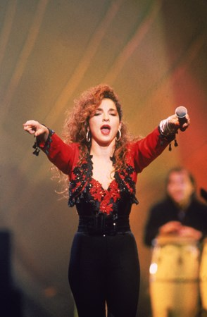 Gloria Estefan - A Summernight Like This - Zortam Music