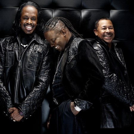 Earth Wind & Fire - Smooth Grooves: A Sensual Collection - Zortam Music